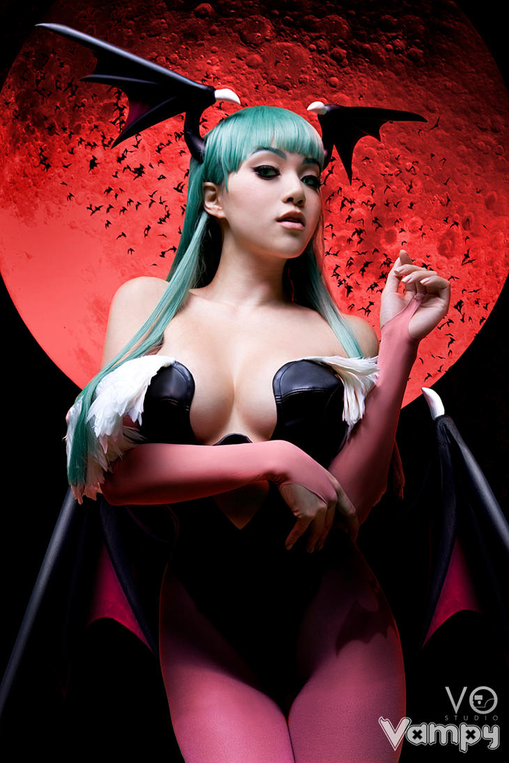 Darkstalkers Morrigan Aensland Cosplay by Vostalgic