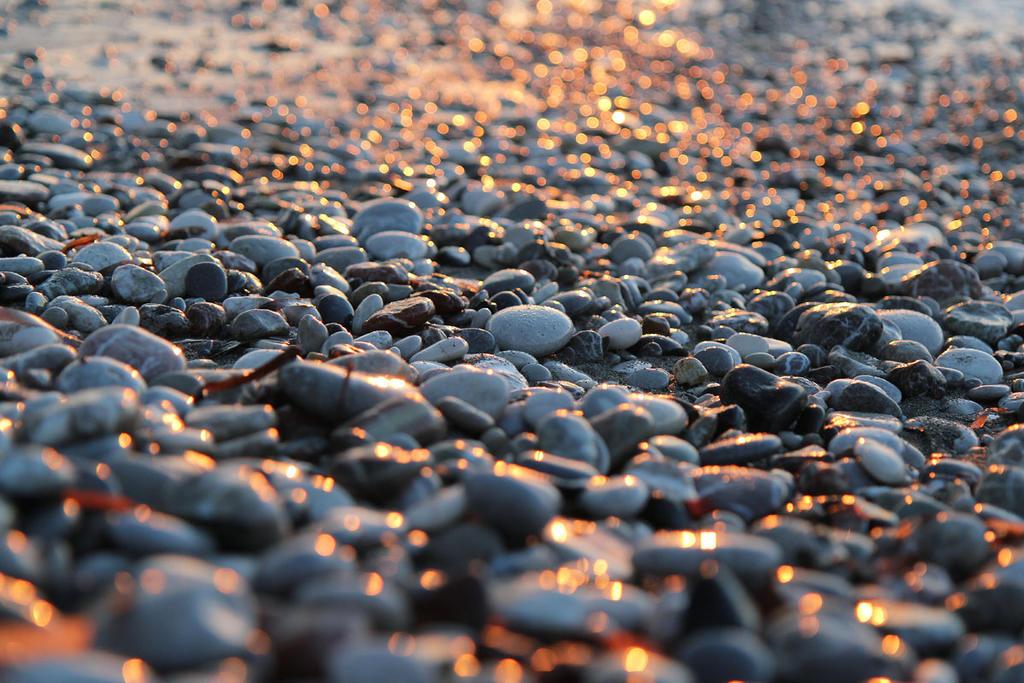 Stones by Morskaya-aka-Umino