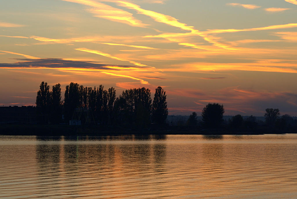 sunset at Vistula river 2 by Su58