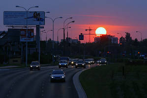 sunset in the city by Su58