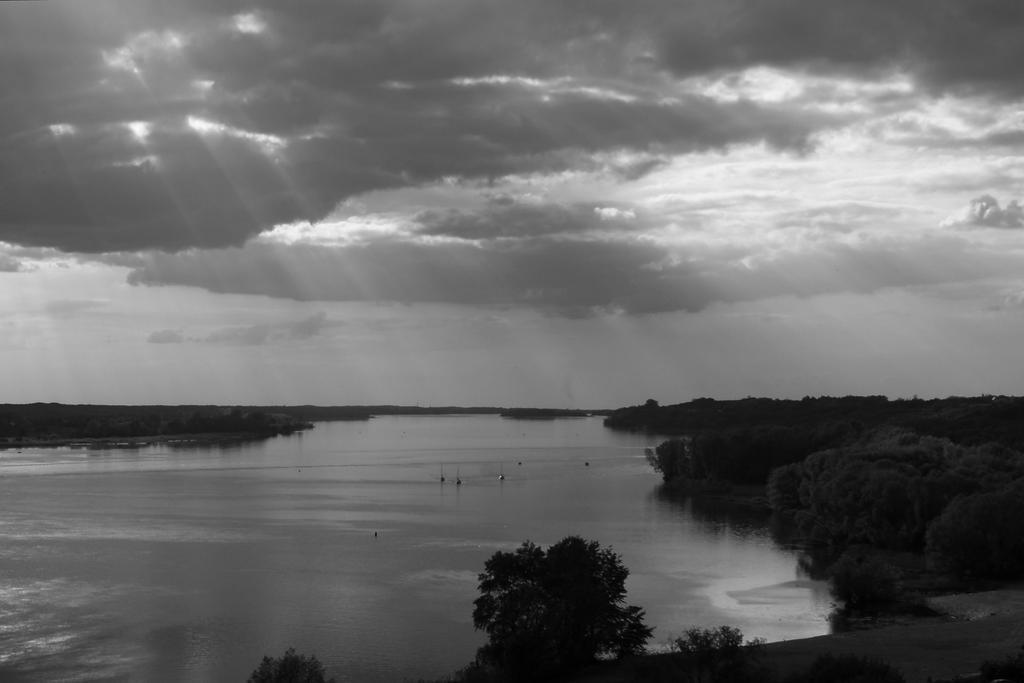 Vistula River by Su58
