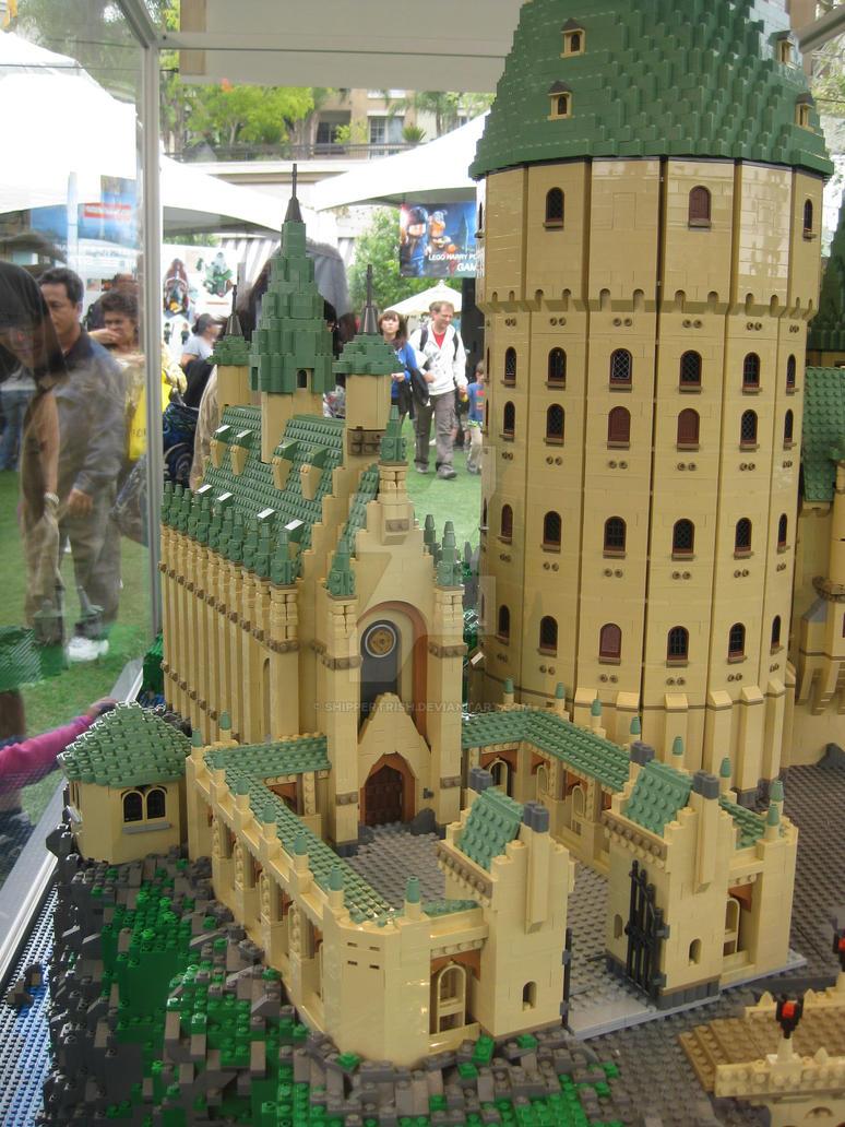 hogwarts castle legos by shippertrish on deviantart. Black Bedroom Furniture Sets. Home Design Ideas