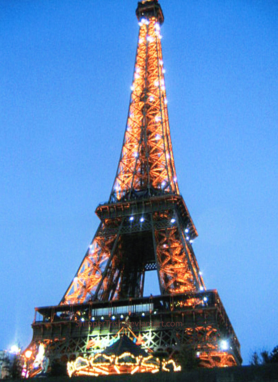 Sparkly Eiffel Tower by ShipperTrish