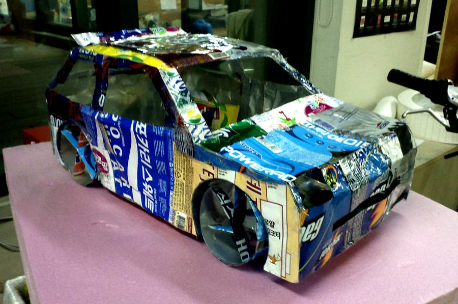 Lancia delta integrale made out of aluminum cans by for Papercraft lancia