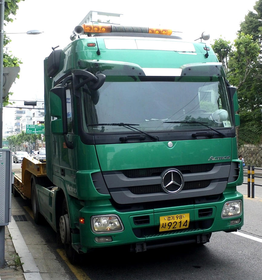 Mercedes benz actros commercial truck by toyonda on deviantart for Mercedes benz commercial trucks