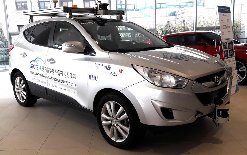 Autonomous Hyundai Tucson SUV by toyonda