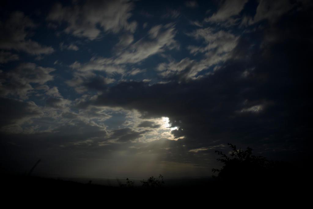 Mirador Moonset by SantiBilly