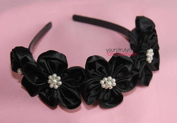 Crowning Glory - Kanzashi #3 by yourstrulycee
