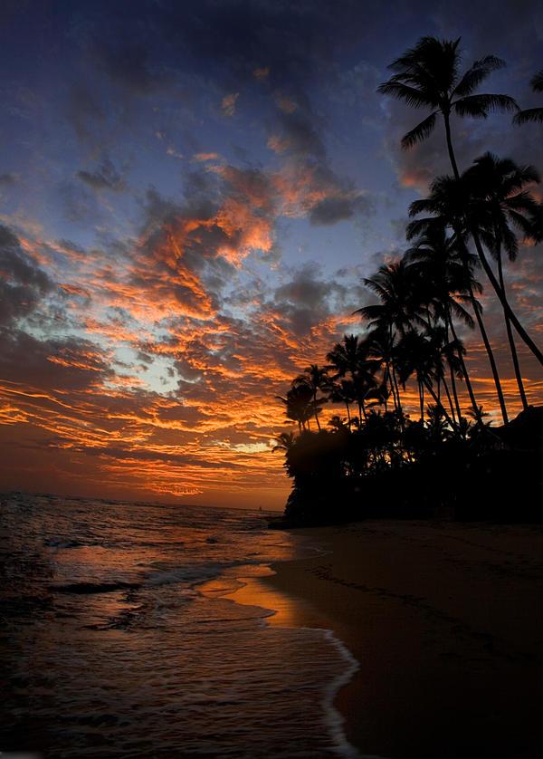 Hawaii sunset by homesickellian