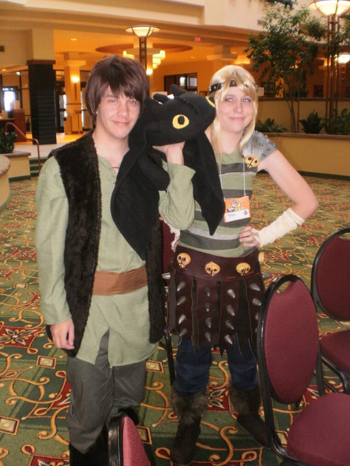 HTTYD: Hiccup, Toothless, and Astrid by RicoTomate