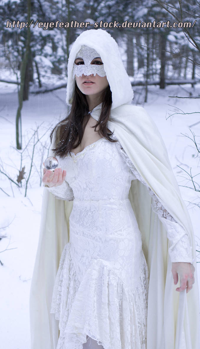 snow and lace lack feet