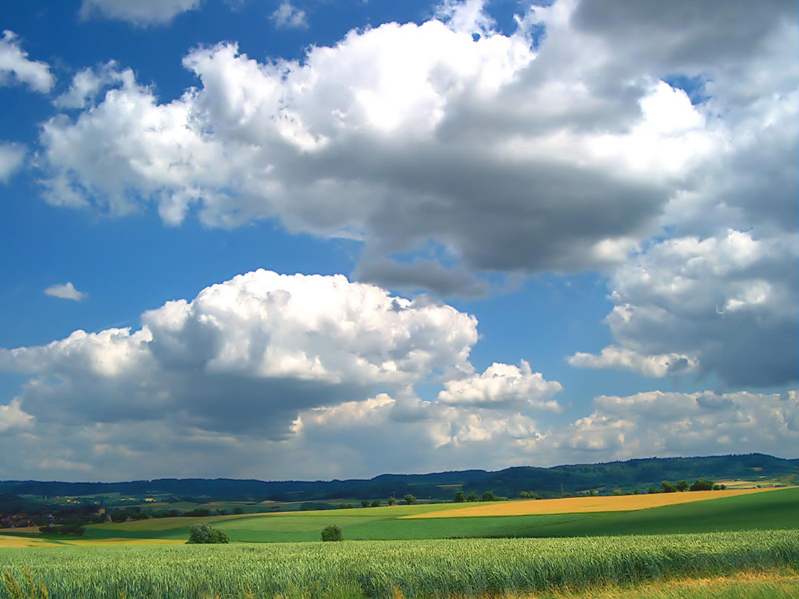 http://fc01.deviantart.com/fs20/f/2007/231/a/6/Cloudy_by_Richi_Ric.jpg