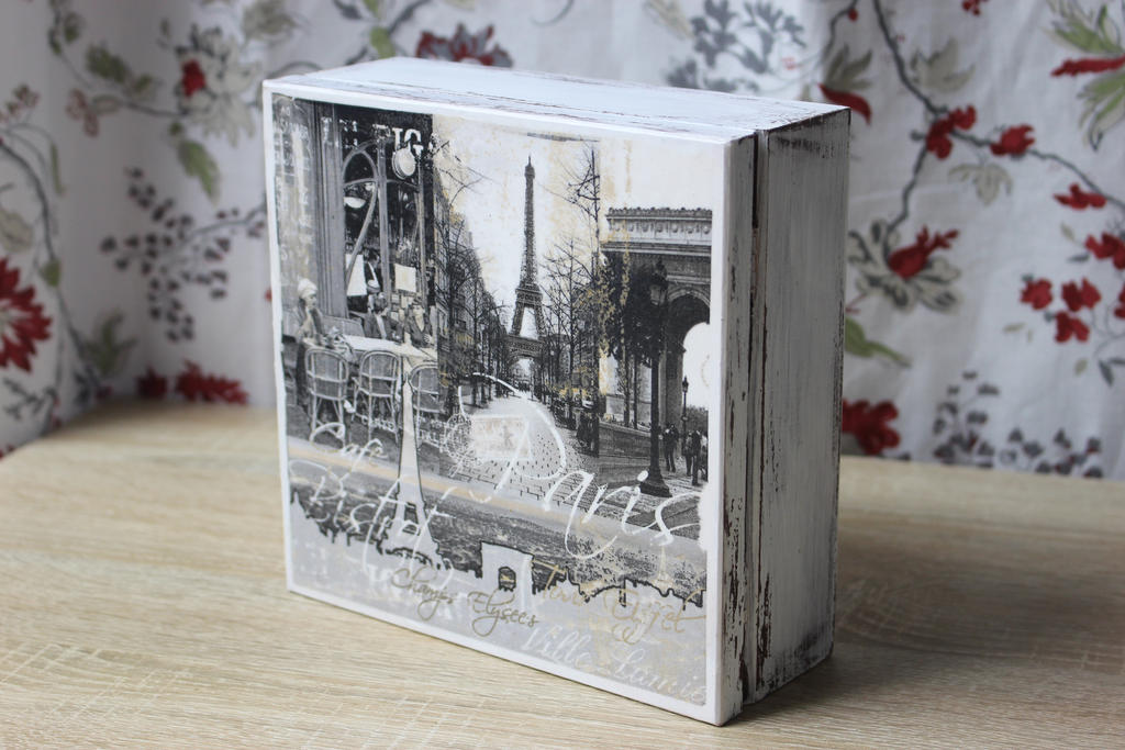 Wooden box paris decoupage tutorial link on yt by for Wooden box tutorial
