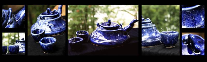 Stary Blue Teapot