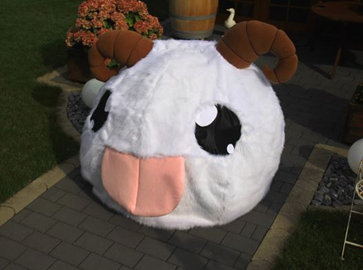 Poro Cosplay by Hakum3n