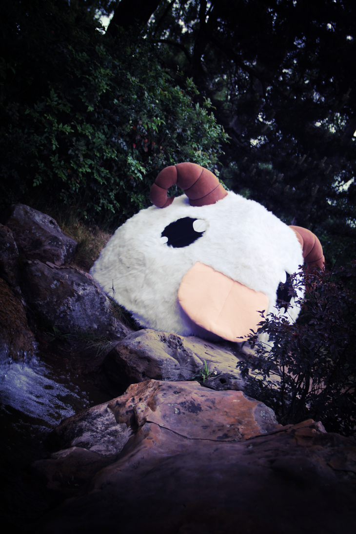 Poro Cosplay 2 by Hakum3n