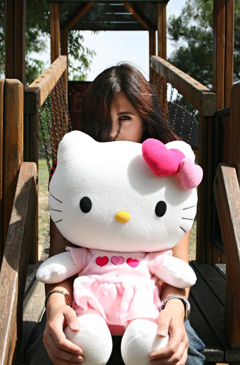 . Hello Kitty by DarkMoon86