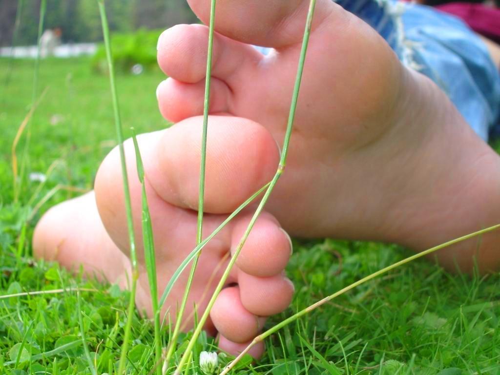 miranda cosgrove foot job