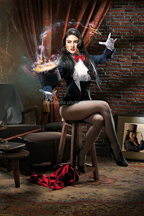 Zatanna, A Magic Trick by libogant