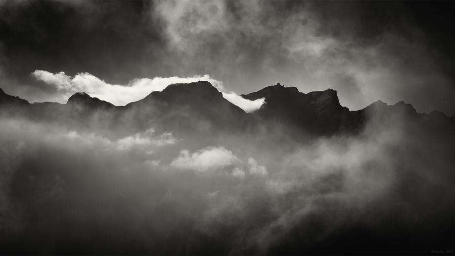 Cloud Peaks by AntonioGouveia
