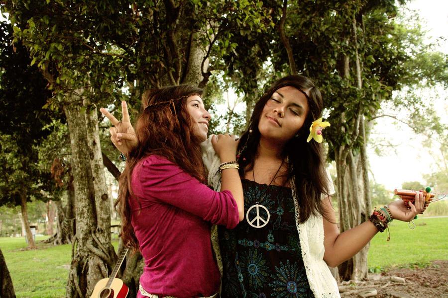 Hippie Best Friends by LovelyAngie