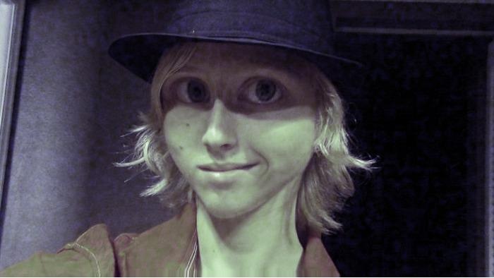 Stoned Alien Face