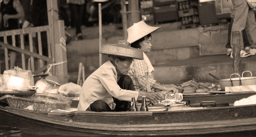 Floating Market Merchant by robertodecampos