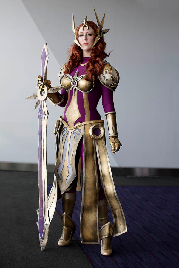 Leona League of Legends Cosplay