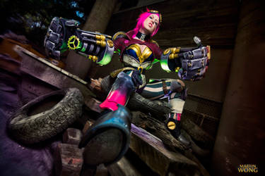 League of Legends Vi Cosplay