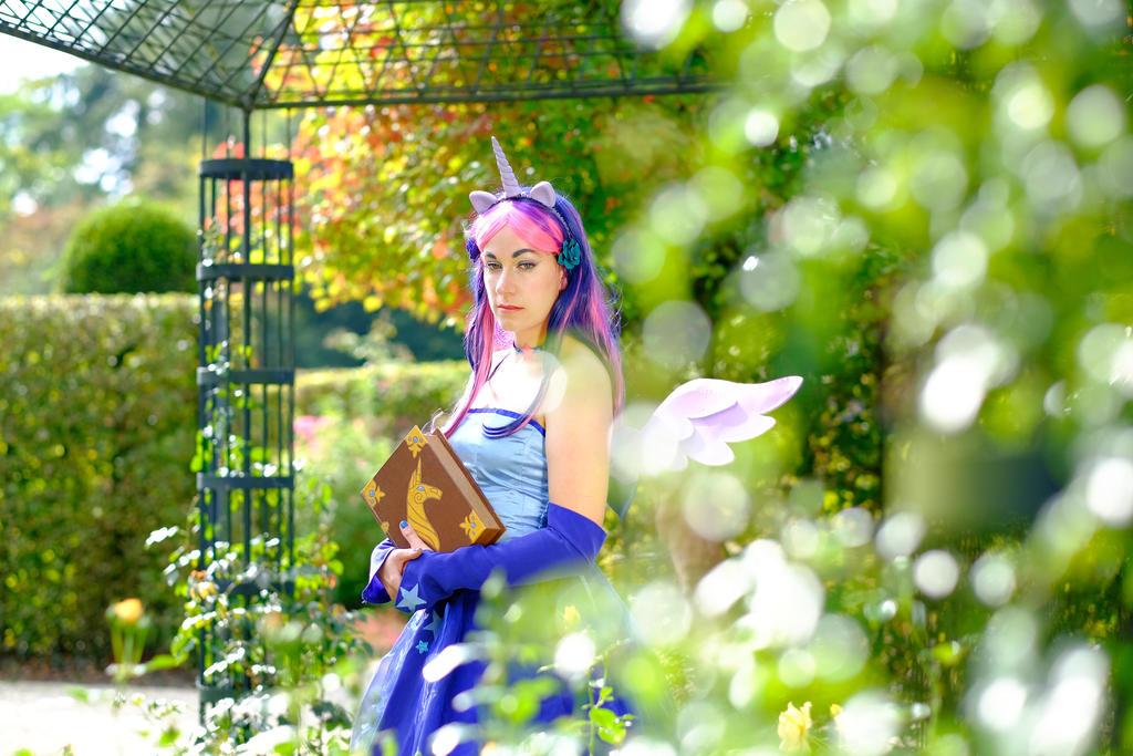 Twilight Sparkle cosplay - pondering by KiraVanndrea