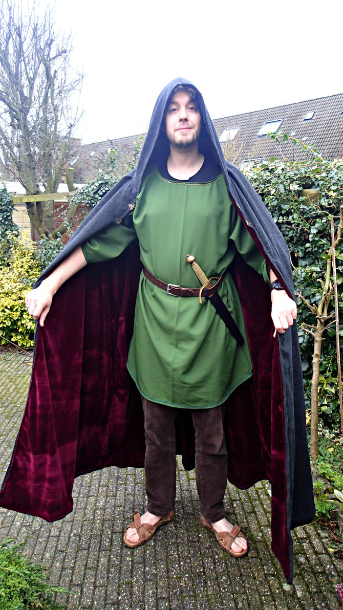 Medieval costume by KiraVanndrea