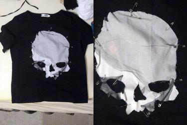 skullhead shirt by Saph-chan