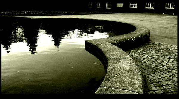 so dark inside... by anwo