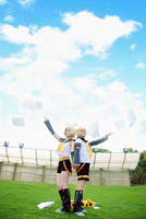 Kagamine Rin and Ren by nozomiwang