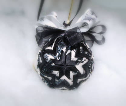 Face The Music handmade quilted ornament 2