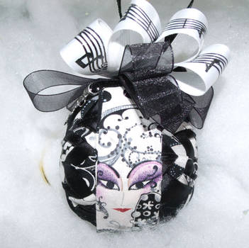 Face The Music handmade quilted ornament 3