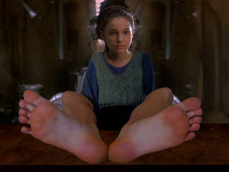 Padme resting barefoot by ATonyP