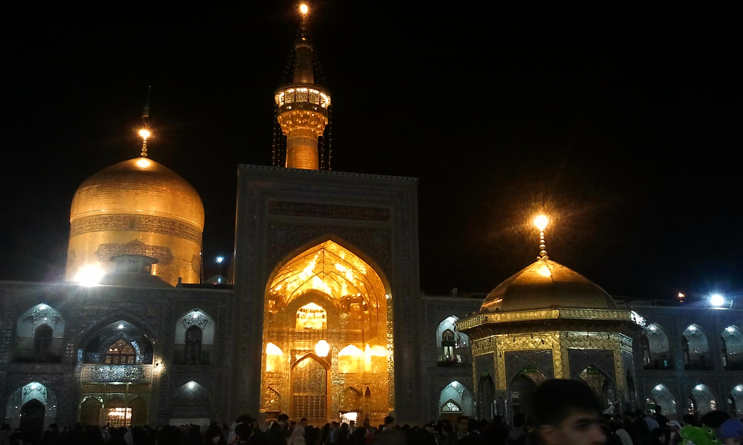 imam_reza_holy_shrine_by_meysam110-d7sgv