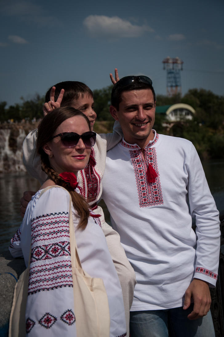 Ukrainian family by knows-things