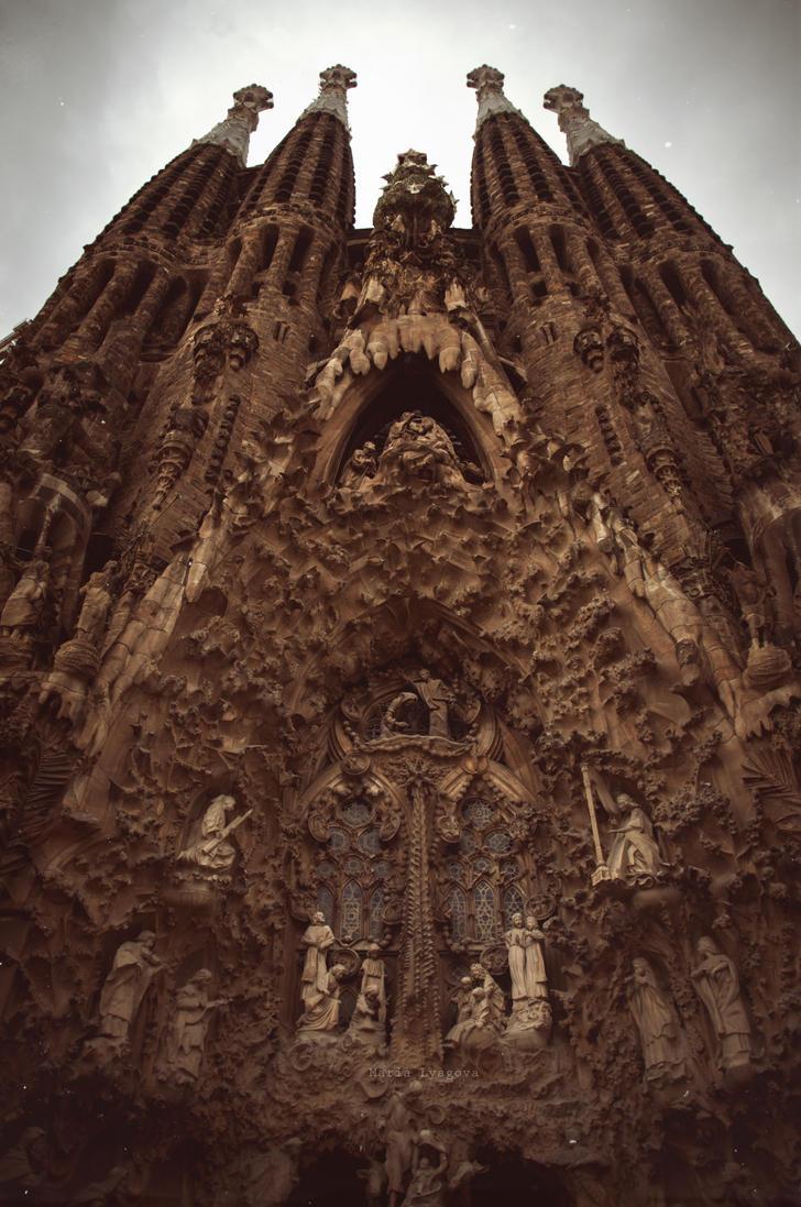 Sagrada de Familia by knows-things