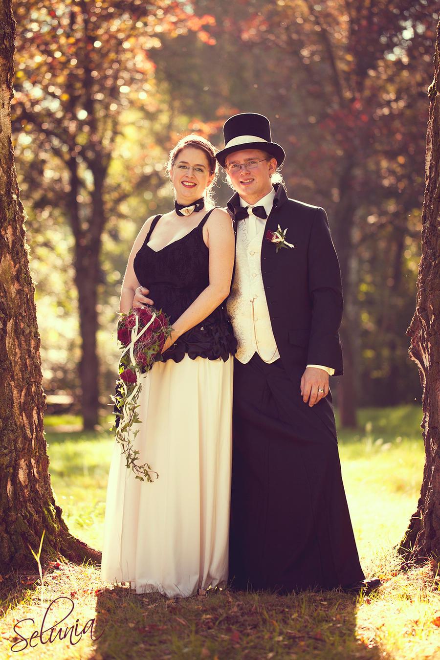 Autumn Wedding by Selunia