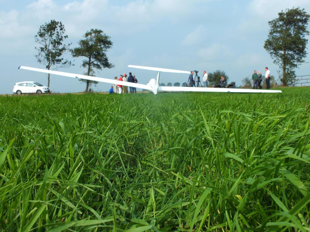 emergency landing by damenster