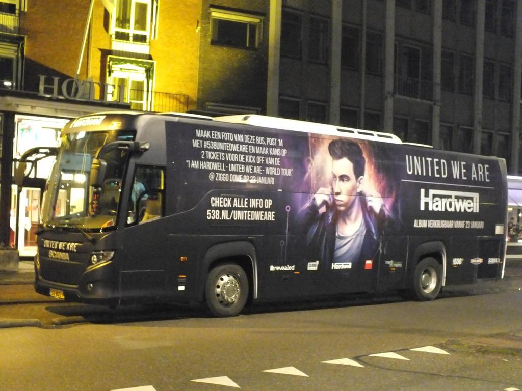 DJ hardwell's bus by damenster