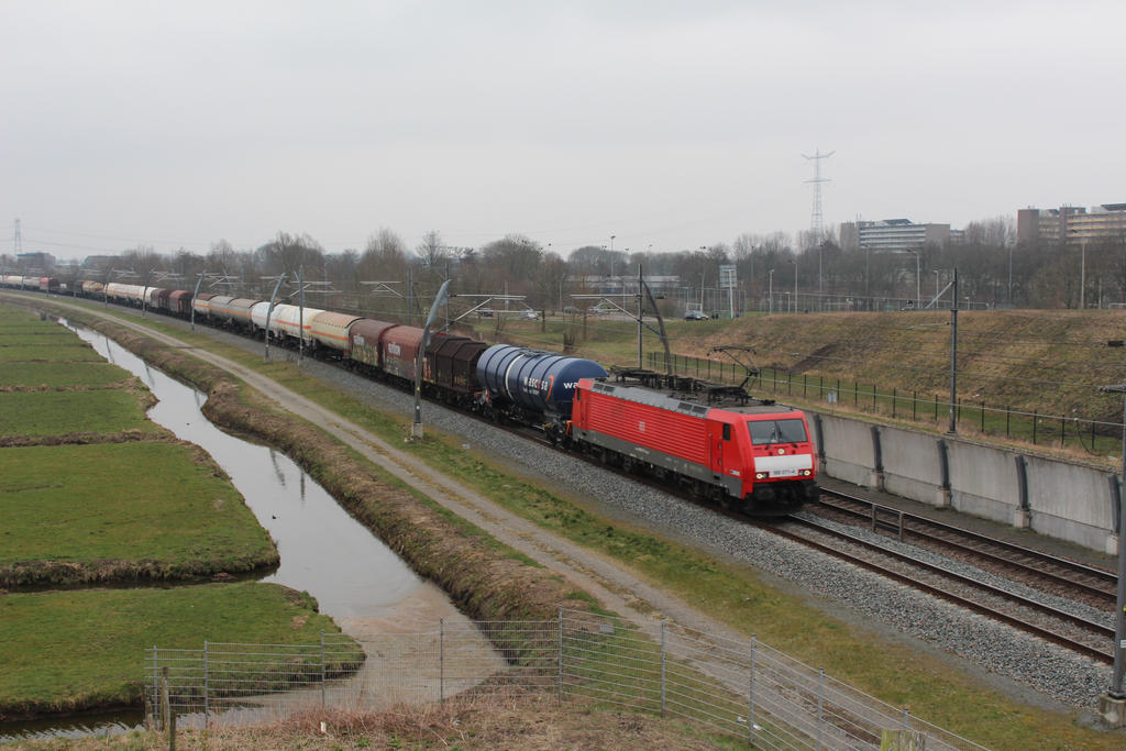 DBS 189 071 with mixed train by damenster