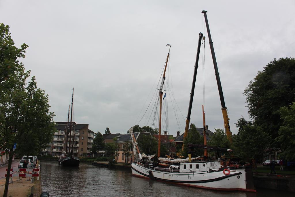broken mast by damenster