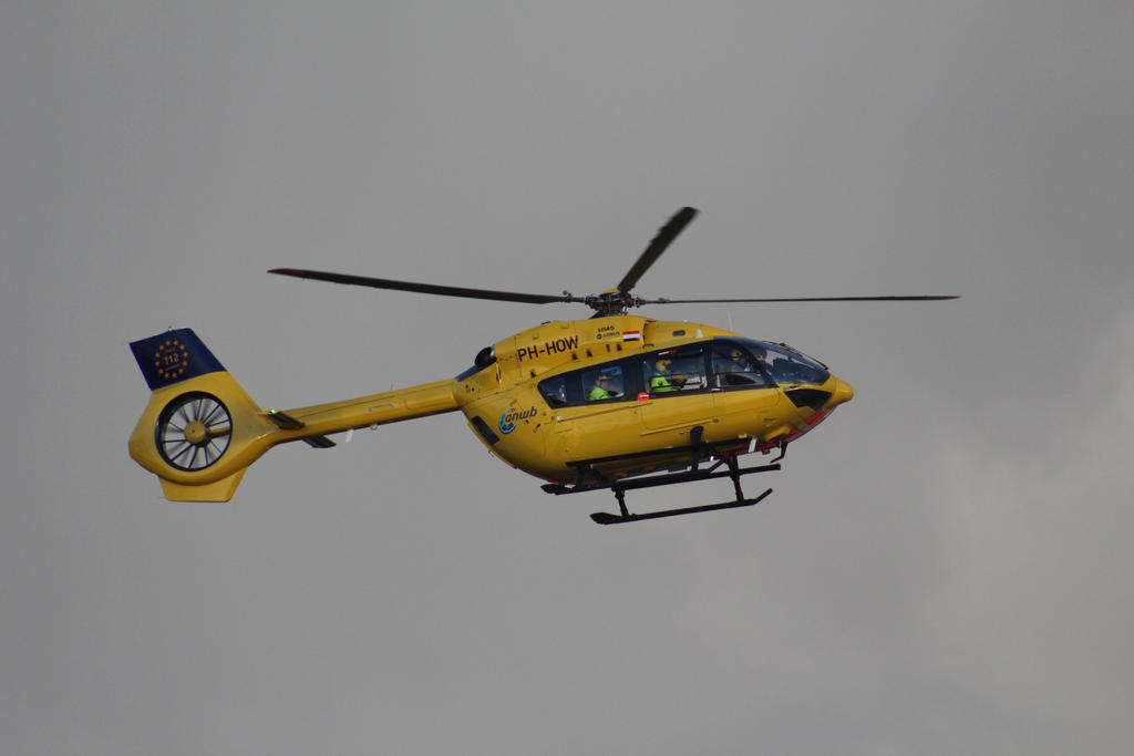 PH-WOH wadden ambulance by damenster