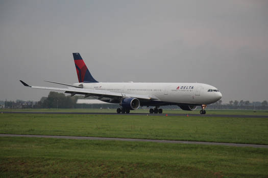 N818NW Delta Air Lines Airbus A330-300