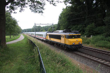 NS 1746 with international train to Berlin