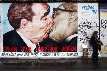 Kiss by ti-pierre