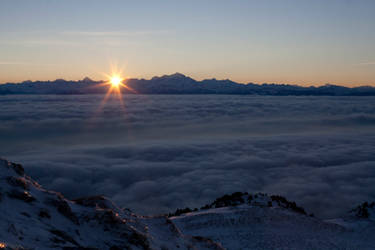 Sunrise on Mont Blanc by ti-pierre